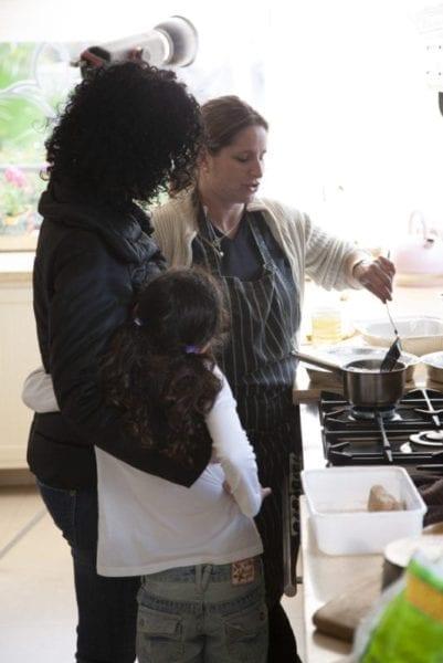 מיכל לוי אלחלל במטבח