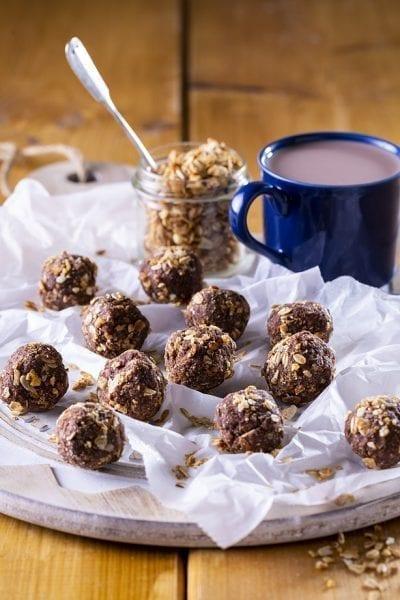 כדורי שוקולד עם גרנולה