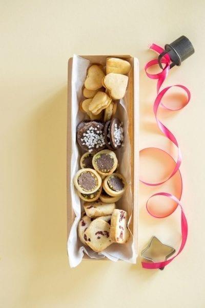חמש עוגיות מבצק אחד