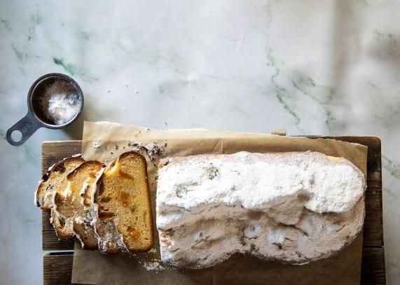 שטולן - עוגת שמרים ארופאית
