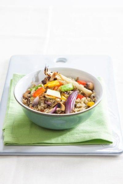 פריקי עם ירקות צבעוניים קלויים