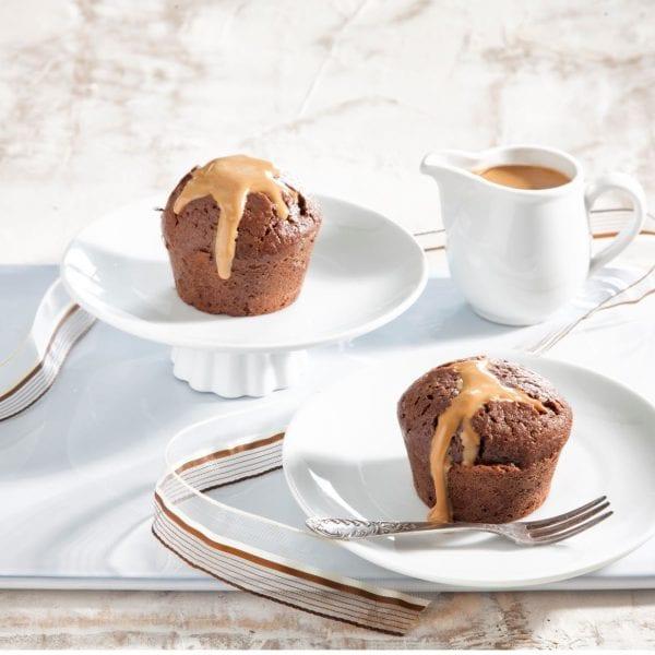 עוגת שוקולד חמה במילוי חמאת בוטנים