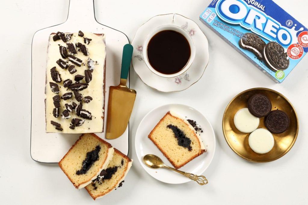 עוגה בחושה במילוי אוראו לשבועות